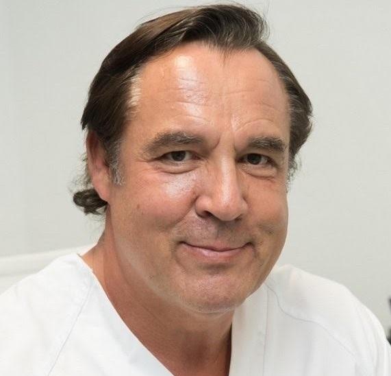 Dr. Julián Cezón